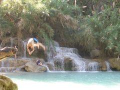 4歳娘を連れてルアンパバーン+ハノイ4日間の旅2-トゥクトゥクに揺られてクワンシーの滝へ