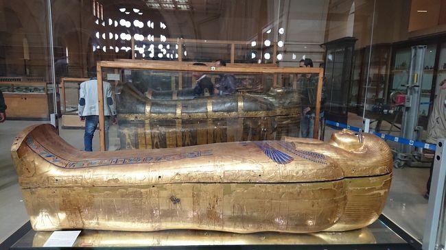 クラブツーリズム【感動のエジプト周遊8日間】に参加してきました。<br />7日目…いよいよエジプト最終日です。<br />早朝にルクソール空港からエジプト航空でカイロへ行き、エジプト考古学博物館を見学。<br />ツタンカーメンの黄金のマスクと感動の対面をし、あの偉大な遺跡や神殿を築いた方々のミイラにもあいました。<br />ランチに最後のエジプト料理をいただいて、エミレーツ航空で帰国しました。