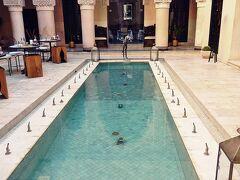 Fez.2 喧騒のフェズでラグジユアリーホテル, リヤド・フェスに泊まる @Riad Fès, Morocco