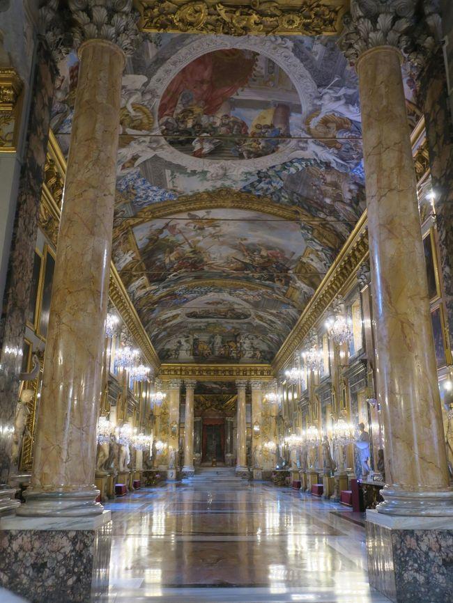 毎年恒例の生年は違うけど同じ誕生日を祝う女子旅。<br />15年目の今年は「ベネチアカーニバルと名画の世界 コロンナ宮殿を巡る7日間」のツアーに参加しました。<br /><br />実質最終日となる5日目はモンテリッジョーニからバスでローマに移動後、念願だったナヴォーナ広場とカラヴァッジョの聖マタイ3部作鑑賞、コロンナ宮殿を見学をしました。<br /><br />[日程]<br />2/12(月) 羽田 15:20 ⇒ フランクフルト 19:10<br />フランクフルト 22:00 ⇒ ベネチア 23:15〈ベネチア泊〉<br />2/13(火) ベネチア      〈ベネチア泊〉<br />2/14(水) ボローニャ、ピサ  〈ピサ泊〉<br />2/15(木) ルッカ       〈モンテリッジョーニ泊〉<br />2/16(金) ローマ       〈ローマ泊〉<br />2/17(土) ローマ 13:15 ⇒ フランクフルト 15:15 〈機中泊〉<br />2/18(日) 羽田 13:05