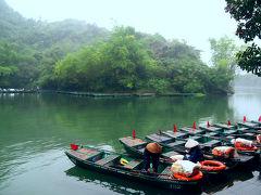 ベトナム北部の旅11 ニンビン : 静寂の中の自然美。チャンアン 癒しのボートクルーズ