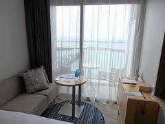 パイナガマビーチすぐ横!!全室オーシャンビューのお洒落ホテル【HOTEL LOCUS】に宿泊