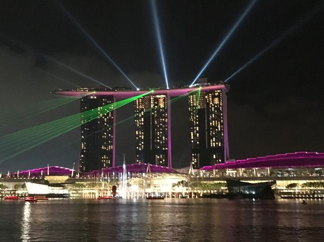 実は2017年に旅行や出張も入れ込みつつSFC修行を。<br />11月末にプレミアムエコノミーを利用してシンガポールへ行き、解脱となりました。<br /><br />「食」がメインのシンガポール初訪問。<br />深夜便を利用したら2泊5日の旅となりました。<br />11/22(木) 仕事後空港へ出発<br />11/26(日) 成田へ到着<br />