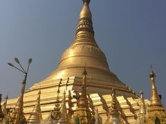 ヤンゴン二日目は、朝からホテルの部屋をチェンジですか?おっかさん。