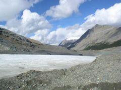 カナダ横断8日間の弾丸ツアー (4) カナディアンロッキーは広大な山岳の雪原