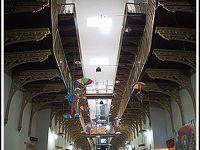 「文化の館」と呼ばれているのに.....実は、「牢屋」だったけど.....今は、お土産屋....って、なにそれぇぇ〜?/『世界で一番、入るのに勇気のいる、入ったら二度と出てこれなさそーな、お土産屋さん』#2(レシフェ/ペルナンブコ州/ブラジル)
