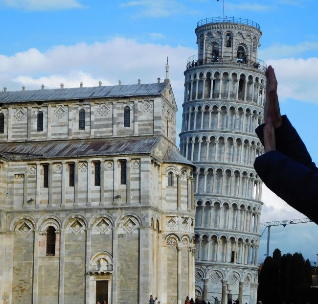 イタリアのトスカーナ地方(フィレンツェ、シエナ、ピサ、ルッカ)とナポリを巡りましたが、その中で、ピサに2泊しました。2002年にパックツアーで訪問していて、16年ぶりの訪問。ピサの斜塔、ドゥオーモのほか、旧王宮博物館、サン・マッテオ美術館を巡りました。
