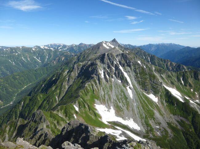 日本百名山の登山記録を旅行記未作成のものも含めて登頂順にまとめてみました。2019年10月5日時点で92座(残りは東北3、北関東・新潟3、南アルプス1、北陸1)。北アルプス、中央アルプス、北海道、近畿以西の百名山は完登しましたが、南東北、北関東は大半が未踏です。<br /><br />ちなみに、日本百高山(標高順のトップ100)は上記時点で83座(残りは北アルプス14、南アルプス2、北陸1)。北アルプスの東鎌尾根・西鎌尾根周辺、針ノ木岳周辺などを縦走すれば一挙に増えそうです。近くを通っていながらピークが縦走路から少し外れているので登頂していないマイナーな山が結構あるのが残念。<br /><br />    百名山/百高山<br />2012年  2座/  2座<br />2013年  1座/  0座<br />2014年  3座/  2座<br />2015年 11座/21座<br />2016年 16座/24座<br />2017年 11座/20座<br />2018年 31座/11座<br />2019年 17座/  3座<br />