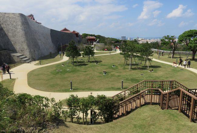 沖縄の名城巡りです。首里城は、中国の城の影響を大きく受けています。門や各種の建築物は漆で朱塗りされ、屋根瓦には初期は高麗瓦、後に琉球瓦(赤瓦)が使われ、各部の装飾には国王の象徴である龍が多用されました。
