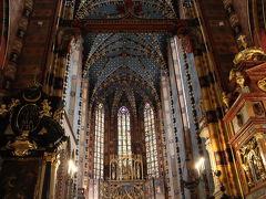 激動の歴史に翻弄されたクラクフへ 聖マリア教会