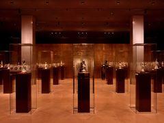 誰そ彼時(たそがれどき)の東京博物館はミステリアス!築地と御徒町でお魚三昧!鮪かま炭火焼と金沢のお寿司堪能です。