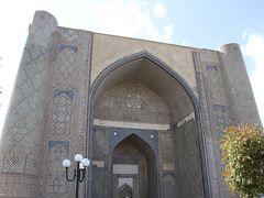 チャーター直行便で行くウズベキスタン周遊の旅 3 青の都サマルカンド3(ショブバザール、ビビハニムモスク、レギスタン広場)