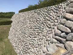 静岡県の城跡巡り:横須賀城跡、丸味を帯びた石垣