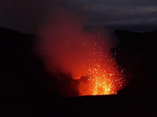 メラネシアの島めぐり(3) バヌアツのタンナ島(ヤスール火山)