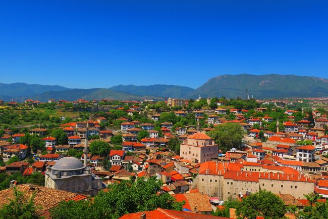 数年前のテロ後、日本人観光客が大幅に減少したと言われるトルコを訪問しました。<br />トラブルにも遭遇しながら楽しい旅となりました♪<br /><br />4/27 自宅発(夜)~関空<br />4/28 ドバイ~イスタンブール~アンカラ<br />4/29 アンカラ~サフランボル~アンカラ ★<br />4/30 アンカラ~カッパドキア<br />5/1 カッパドキア~夜行バス<br />5/2 パムッカレ&エフェス<br />5/3 クシャダス~イズミル~イスタンブール<br />5/4 イスタンブール~ドバイ<br />5/5 ドバイ~関空~自宅<br /><br />因みに、今回プライオリティパスを入手して初めての海外旅行!<br />各国のラウンジ巡りも目的の一つです♪