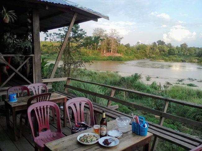 ベトナムからボーイ(BO Y)ープークア(PHOU KEUA)国境を抜けラオスへ。<br />そこにはベトナムの喧騒とはかけ離れたのんびり感たっぷりのアッタプーの町があった。