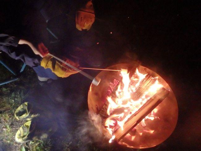 2016年からキャンプ大好きになった我が家、コテージに引き続き、今週はオートです。<br />この時期は気持ち寒いけど、テントでシュラフにくるまれば、夜は大丈夫!<br />夕食は寒かったけど~(;^ω^)