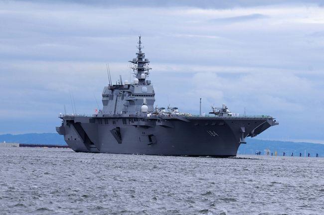 海上自衛隊 へり空母 加賀 大阪湾天保山へ入港との情報を得たので行って来ました。入庫撮影は、コスモスクエアの岸壁から撮影。