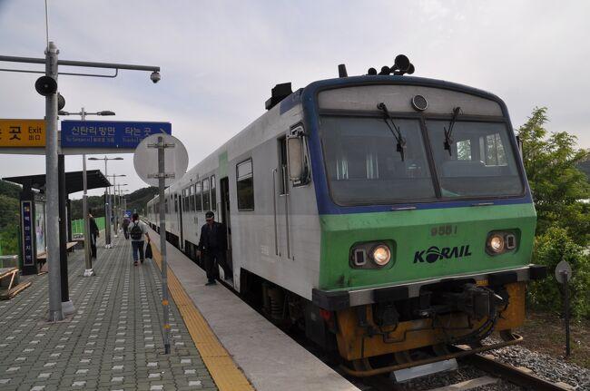 2018年5月26日から28日まで、韓国へ行ってきました。<br /> 今回は、前回2018年1月に行き損ねた友人と一緒でした。<br /> 友人は、韓国が久しぶりということで、鉄道旅行というかグルメ旅行というか(笑)<br /> 韓国へは、地元空港からのエアソウル便を利用しました。<br /> 江陵駅からソウル駅に戻り、ソウル市内で食べ歩きです。<br />