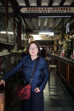 復讐と再挑戦。リベンジ・スペイン(21)20年3時間30分待ったアルカサルの見学後、カテドラルに参拝してボデガスでお昼を食べてマリア像を買ってコルドバへ向かう。