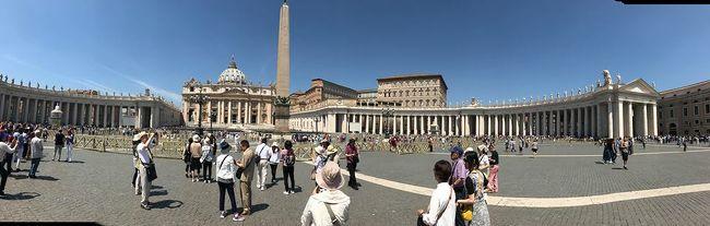 5月の下旬、比較的旅行のしやすい気候の時期にイタリアの名所巡りの1週間旅行に行きました。<br />ミラノ、ベニス(ベネツィア)、フィレンツェ、ローマ、そしてバチカンへ名一杯予定を詰めて。<br />主に世界の名画、絵画、壁画、彫刻を巡る旅です。<br />レオナルド・ダ・ヴィンチから始まり、ミケランジェロ、ボッティチェリ、・・そしてメディチ家の寄付された巨大な美術館。<br />有名な作品を肉眼で見ると、自分が美術をしていた人間だからか思わず目頭が熱くなりました。<br />是非、肉眼で見てほしいのは<br />・最後の晩餐<br />・ダビデ像<br />・春<br />・最後の審判<br />それぞれ修復がなされ、はるか昔に教科書で見た色とは驚くほど違っています。<br />と、美術のことはそのへんで。<br />イタリアに行って驚いたこと・注意すること。<br />・異様にスリが多い、パスポートと荷物は肌身離さず!<br />・雨が振りやすいので、折り畳み傘必須。<br />・ミサンガ男・コスプレ撮影男が頻発するのでフレンドリーに話しかけられても無視!<br />・トイレは基本有料なので飲食店orホテルで必ず済ませる<br />・イタリアの水は基本、硬水なので飲むと下すし、髪はカッシカシになるので日本からの持込必須。<br />・英語が通じはするがアメリカン英語でないので「t」を発音しないと通じない<br /> ex)「水」アメリカ:ウォラー イタリア:ウォーター(タをしっかり発音する!)<br />・めっちゃ乾燥する。ボディクリームや目薬はもっといたほうが無難。<br />・日差しがめっちゃ強い、熱中症対策すべし。<br /><br />もう一度行くときは、もっとゆっくりしたいです。<br />