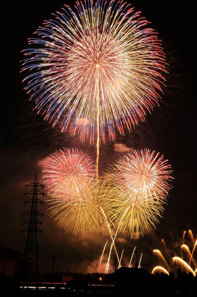 京都市伏見区の京都競馬場で5月30日夜、音楽に合わせて約1万3000発の花火を打ち上げる「京都芸術花火2018」開催された。懸念された雨もギリギリで上がり素晴らしい花火が見れました