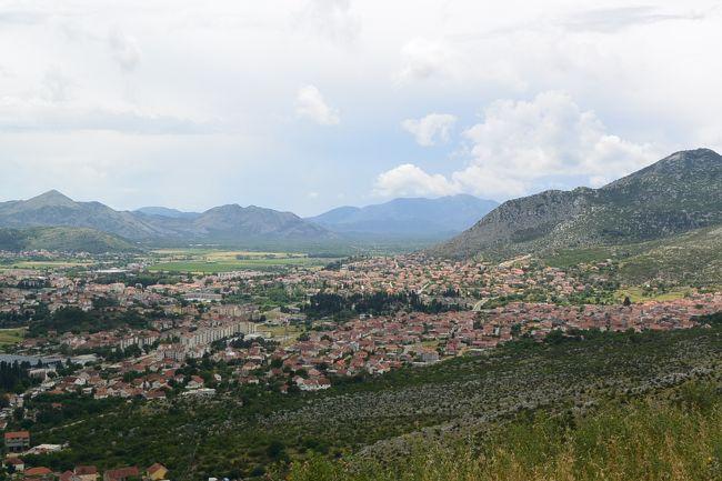 サラエボからモンテネグロのコトルに向かう途中で、南東ヘルツェゴビナにあるTrebinje(トレビニェ)に寄り道。<br /><br />SuperbAdventures<br />http://www.superbadventures.com/