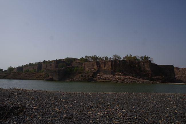 2018年6月15日後半ラマザン休暇 コタ、ジャルワールとチットールガル旅行(ガグロン城編)