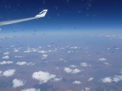 春のベネルクス3国 10日間のツアー旅行 2 1日目 関空~アムステルダムへ