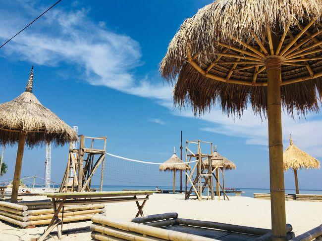 お金ないのに、家族でバリ島に貧乏旅行。<br />6日目から、2泊で ギリトラワンガン島に行ってきました!<br />絶対に泊まりたかった オンバクサンセット。 とっても楽しかったです。<br />トラワンガン島 バグース(^O^)