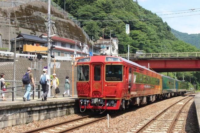 ぐるり四国②   観光列車「四国まんなか千年ものがたり」