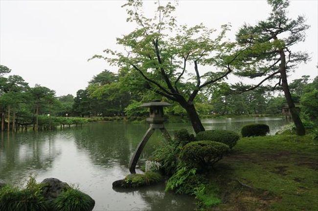 大雨の中ですが、金沢市内を歩いて観光してきました。5時間の散歩を楽しみました。