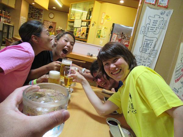 夏リゾート沖縄(7)沖縄料理のおいしい居酒屋で海友さんと楽しくおいしく!