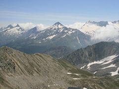 シュピッツホルンからシンプロン峠への下りハイキング