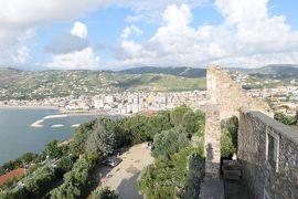 美しき南イタリア旅行♪ Vol.10(第1日)☆Agropoli:「アグロポリ城」太陽系と花の絵の展覧会♪