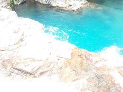 四万温泉で四万ブルーに癒やされる旅