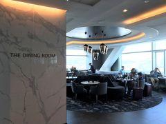 ANAファーストクラスで行くサンフランシスコ★ SFOのラウンジ&免税店編 サンフランシスコ国際空港にはANAファーストクラス&ビジネスクラス&スタアラゴールドで利用できるユナイテッド航空のラウンジがいくつかありますが、お薦めはオープンしたばかりの『United Polaris Lounge(ユナイテッド・ポラリス・ラウンジ)』☆彡 【The Dining Room(ザ・ダイニングルーム)】の食事メニューは朝食、ランチ&ディナーに分かれます♪