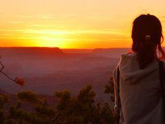 "Yavapai Lodge に宿泊、""地球の履歴書"" グランドキャニオンの雄大な夕陽と朝陽を鑑賞"