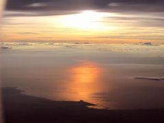 夏リゾート沖縄(24)【終】西海岸道路~那覇~JALファーストクラスで機内食。機内から見る夕日の架け橋が美しくって