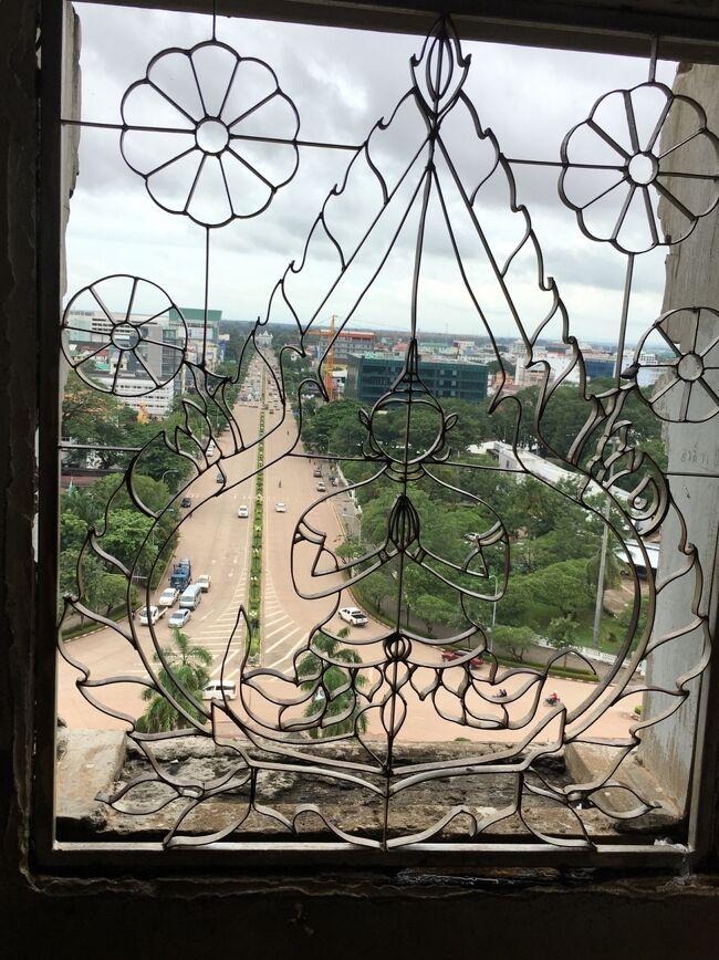 おはよう/こんにちは/こんばんは【サバイディ】<br /><br />【Patuxay Anousavari Monument 】<br /><br />※ レンタルサイクルでポタリング@タック号<br />