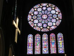 世界一綺麗なステンドガラス!フランス・シャルトル大聖堂