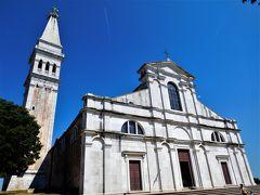 2018年6月 東欧 3日目 その3 ロヴィニ 聖エウフェミア教会は小高い丘の上にあります。