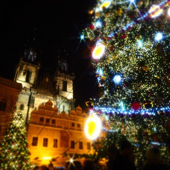 2017/12/2~12/9 新婚旅行で大好きなヨーロッパのクリスマスマーケットへ!<br />12/2-4 チェコ・プラハ ←この記事です<br />12/4-5 チェコ・チェスキークルムロフ<br />12/5-7 オーストリア・ウィーン<br />12/7-9 ハンガリー・ブダペスト<br /><br />ヨーロッパが大好きで、新婚旅行で好きな時期に休めたので<br />安いオフシーズンに!<br />