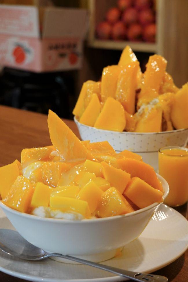 今回の台湾旅はマンゴー中心です!<br />愛文エリアまで行こうかなとも思ったんですが<br />美味しいマンゴーは台北に集まって来るから<br />行く意味あるのと台湾人の方に言われ今回も断念。<br />いつか機会がったらマンゴー狩りしてみたいです!<br />なので絶対外せないマンゴースイーツのお店を回って来ました。<br />それでは旅行記、良かったら楽しんで下さい!(^^)!<br /><br />航空会社:チャイナエアライン<br />フライトスケジュール行き:CI151便 NGO(9:55)⇒ TPE(12:10)<br />フライトスケジュール帰り:CI150 便 NGO(17:05)⇒ TPE(21:00)<br />ホテル:スカイ19ホテル SKY19Hotel(日光拾玖)<br /><br />※写真多めで誤字脱字があると思いますが良かったら楽しんで下さい。