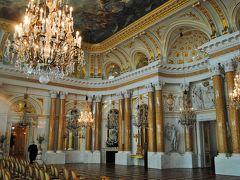 ポーランドのワルシャワへ その6  旧市街の旧王宮へ。。