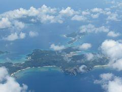 真夏の石垣島(16)石垣空港から那覇空港へ。宮古島や慶良間諸島上空の眺めを楽しみながら