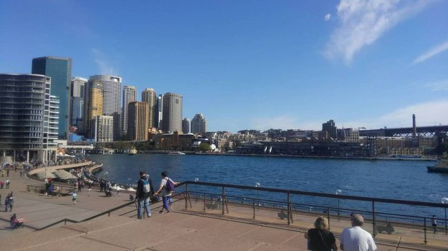 10日間ほどオーストラリアのシドニーに住んでいるご家族の家にホームステイしてきました❗学校にも行き、オーストラリアの歴史やなまりについて学んだりしました。観光もし、念願だった生のオペラハウスを見てきました✨充実した10日間柄でした‼<br />  <br />