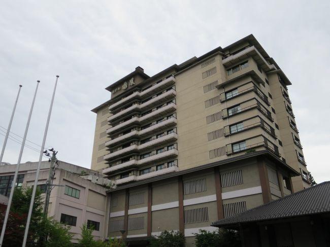 宿泊したのは瑞鳳の迎賓館 「櫻離宮」なのですが、<br />夕食や朝食、大浴場、売店など、パブリックスペースはすべて瑞鳳の施設を利用。<br /><br />瑞鳳は2010年に一度宿泊したことがあり、今回2度目の訪問です。