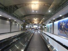 いざバンコク2★娘9か月4度目のタイDay1 キャセイパシフィック航空利用 香港からバンコクへ ~Holiday Inn Express Bangkok Sathorn~