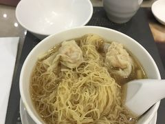 海老ワンタン麺を食べるために香港に1泊